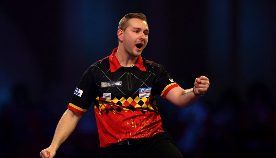 Livestream van den Bergh Warren 1080x620 Livestream Dimitri van den Bergh   Wayne Warren, Grand Slam of Darts